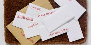 unpaid and overdue envelopes
