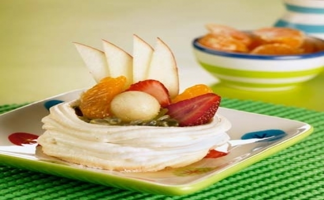Merengue italiano con frutas