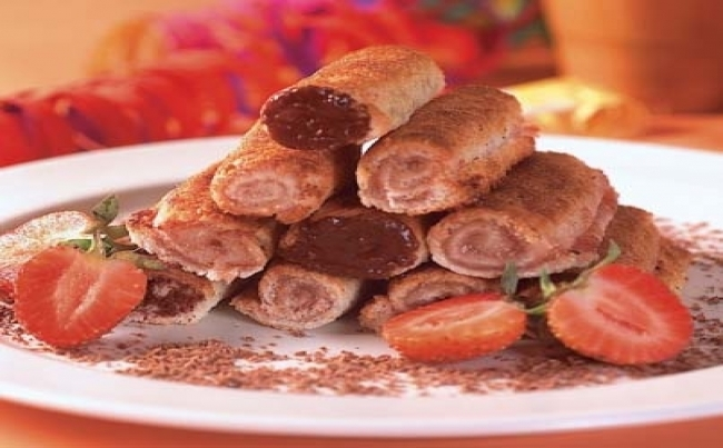 Rollitos de chocolate y fresa