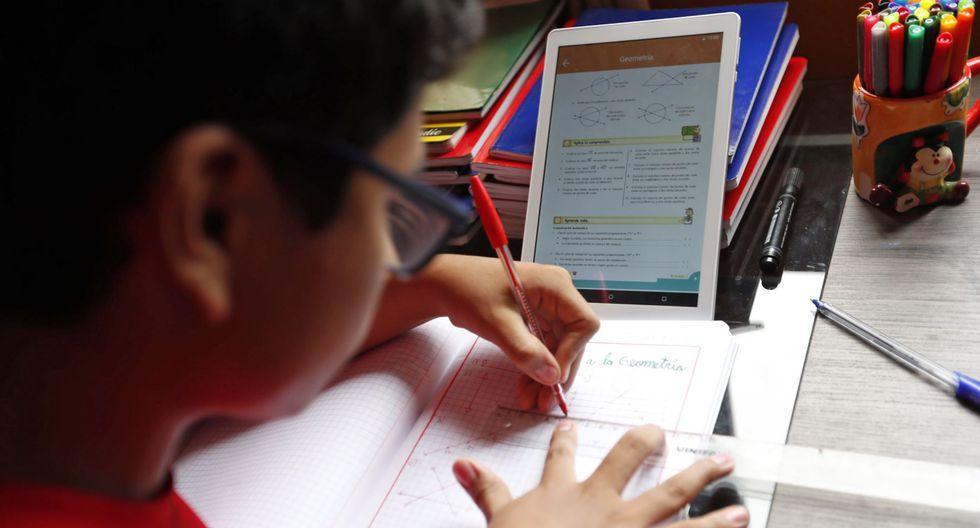 15% de colegios privados usa Facebook Live para dar clases a distancia
