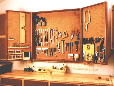 Accommodating Cabinets Woodworking Plan, Workshop & Jigs Shop Cabinets, Storage, & Organizers