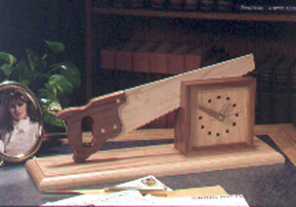 Cutting-time-in-half Shelf Clock