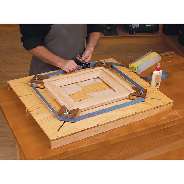 Adjustable picture frame jig : Easy adjust picture frame jig woodworking plan from wood