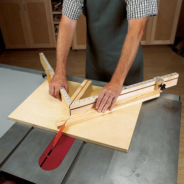 shopmade tablesaw miter sled woodworking plan from wood