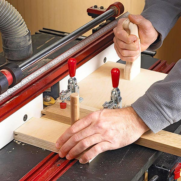 Router-Table Cope-Cutting Sled