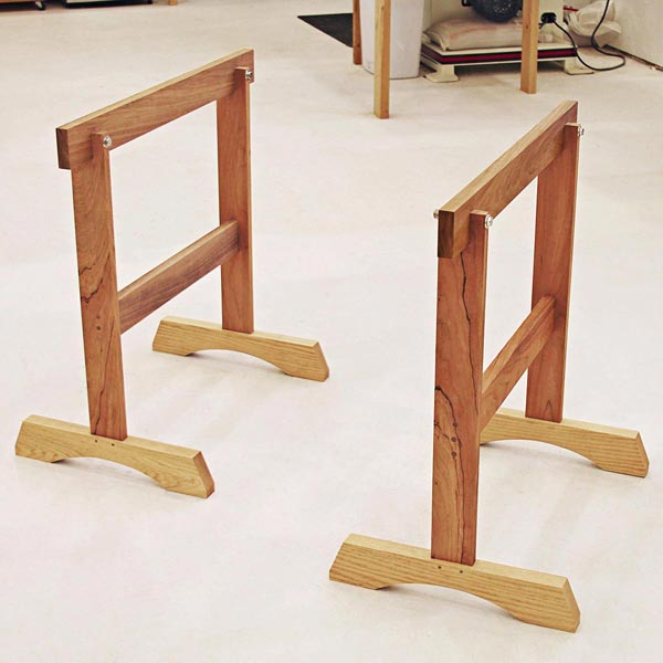 Replaceable-beam Sawhorse
