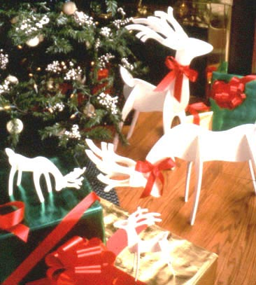Medium & Tabletop Reindeer : Large-format Paper Woodworking Plan