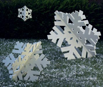 Super-Sized Snowflake Trio : Large-format Paper Woodworking Plan