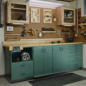 Full-Service Workbench, Part 1: Full-Service Workbench, Part 1 Woodworking Plan, Workshop & Jigs Workbenches