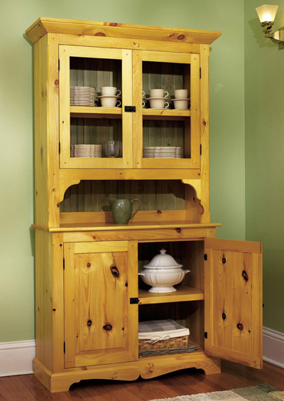 Heirloom pine hutch woodworking plan from wood magazine for Wood hutch plans