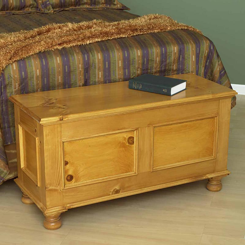 Cedar lined blanket chest woodworking plan from wood magazine for Blanket chest designs