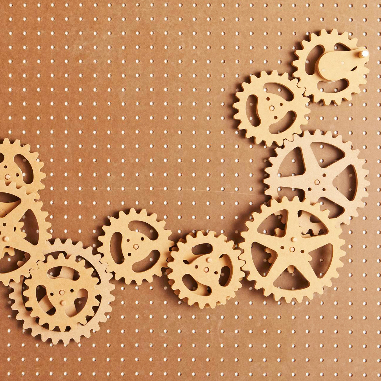 Scrollsawn Gears Woodworking Plan from WOOD Magazine