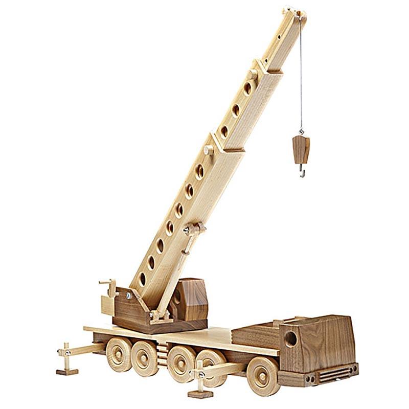 Construction-grade Truck Crane Woodworking Plan from WOOD ...