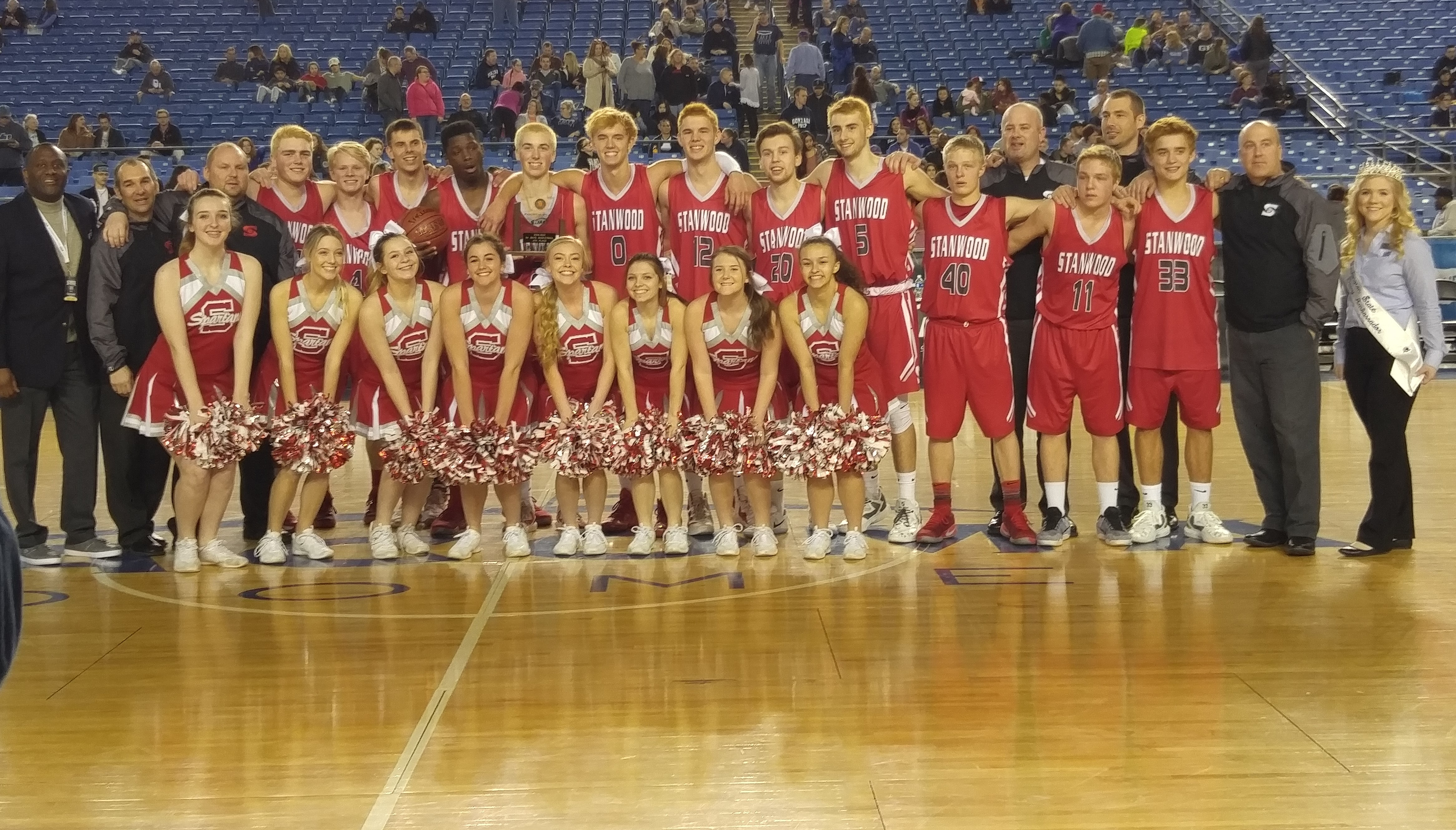 Stanwood Spartans with 4th Place Trophy