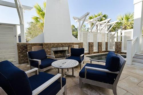 Private courtyard with heated splash pool spa