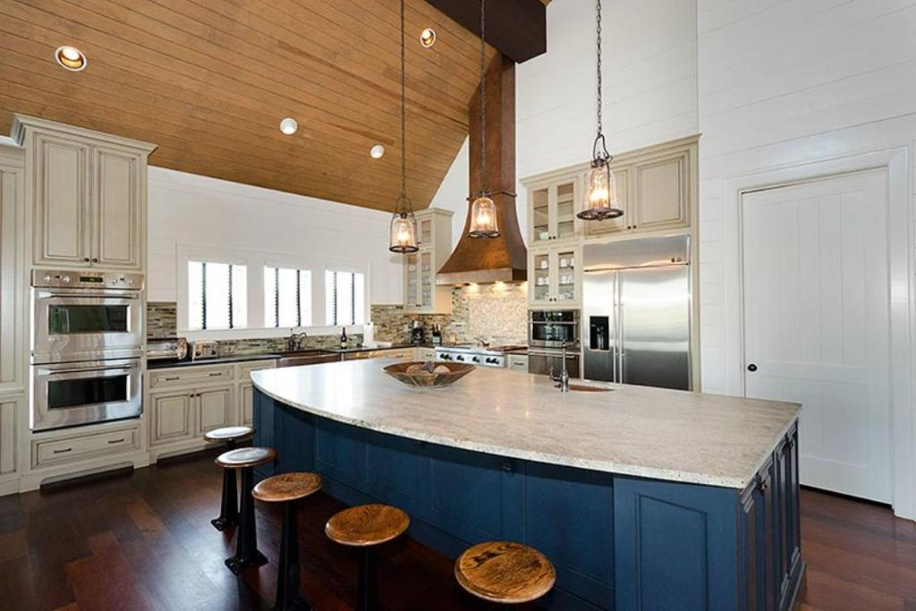 Built in barstools and high end appliances
