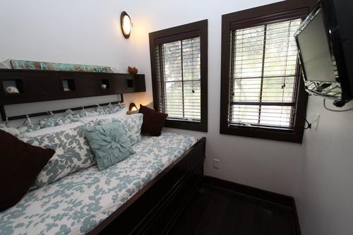 Trundle bed twin with twin trundle underneath