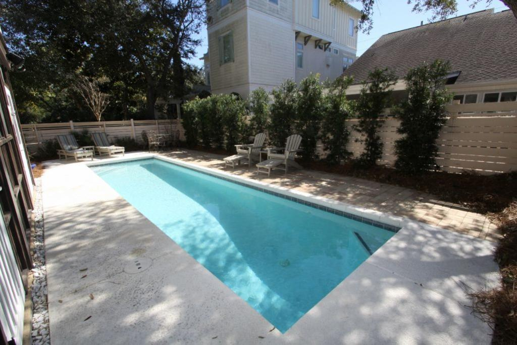 Alternate view of private pool