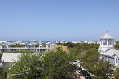 Views of seaside and the gulf from the roof top