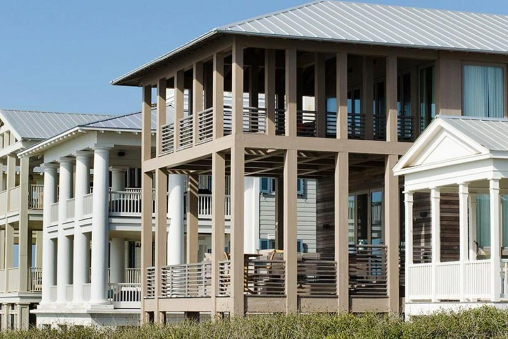 Three covered porches overlooking the gulf