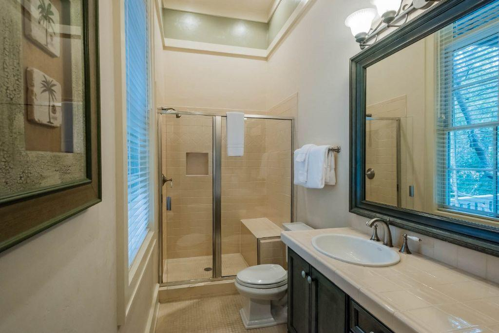 Private bathroom for ground floor king