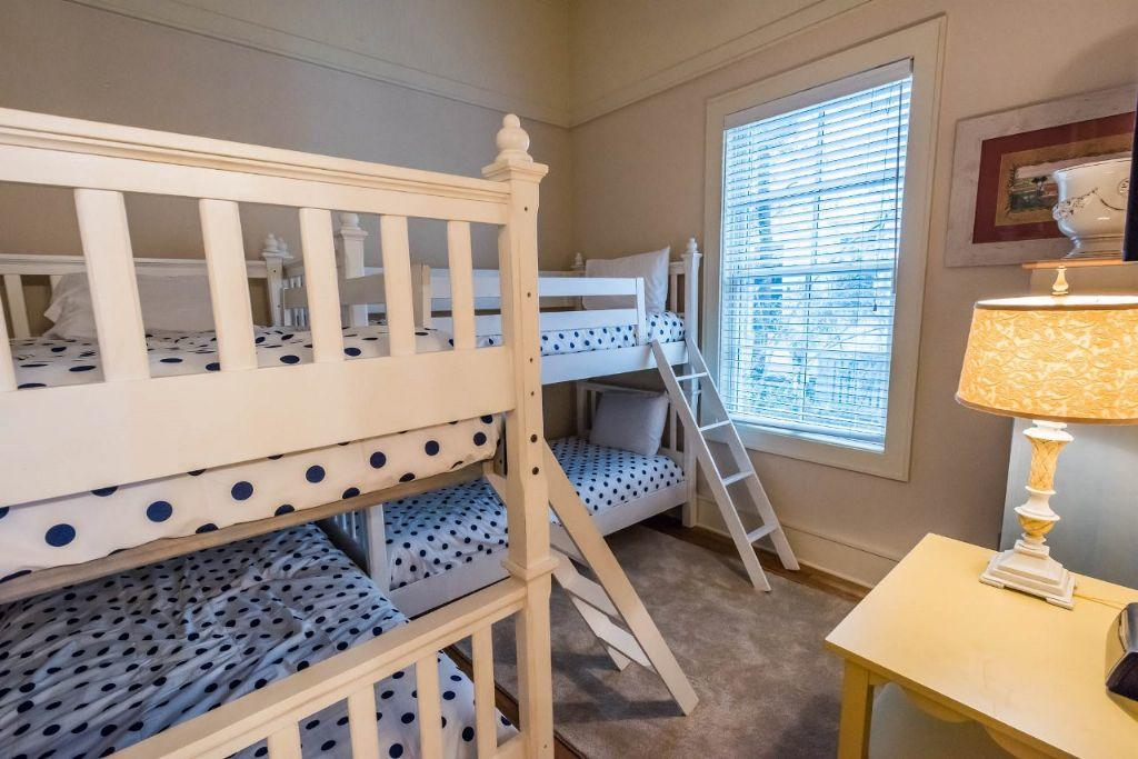 Bunk bedroom with 4 twins