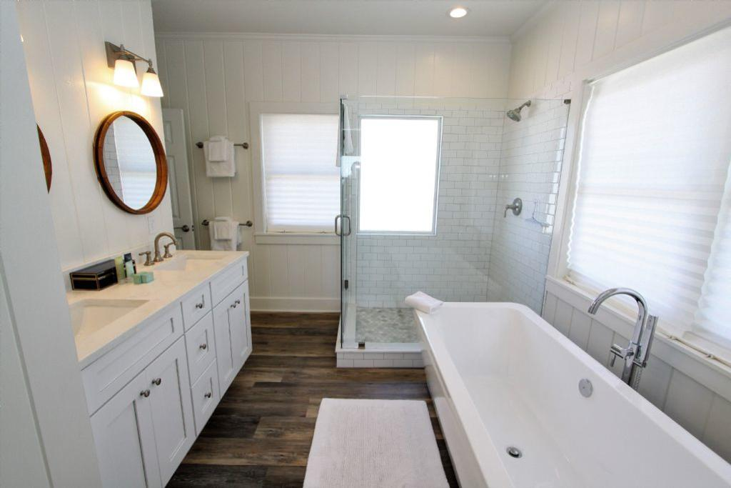 Private bath for king master bedroom