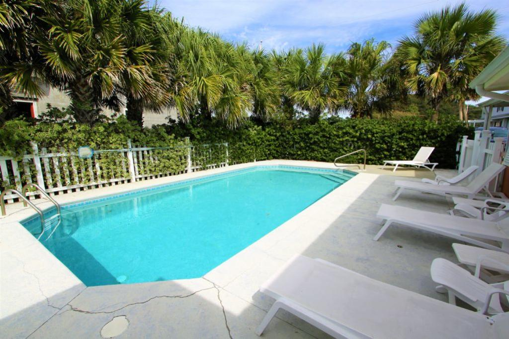 Private Heated Pool With Ample Sun