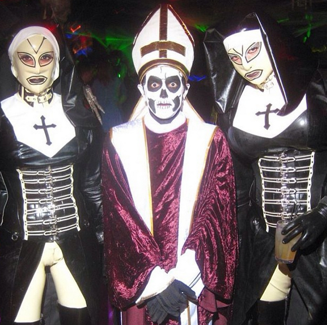 check out all the papas and the mamas below - Band Halloween Costumes