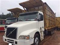 Caminhão Volvo VOLVO NH 12 420 6X4 TRAÇADO CANAVIEIRO ano 05