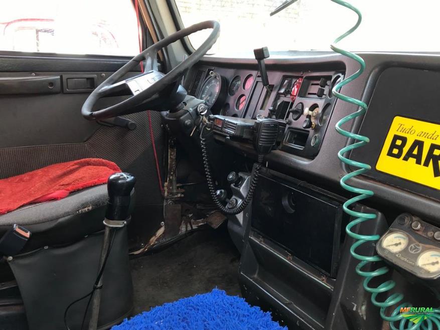 Caminhão Volvo 6X4 PIPA TANQUE DE AGUA BOMBEIRO ano 94