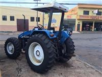 Trator Ford/New Holland TL 90 4x4 ano 04