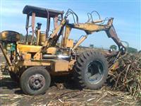 Trator Carregadeira CBT  4x2 ano 82