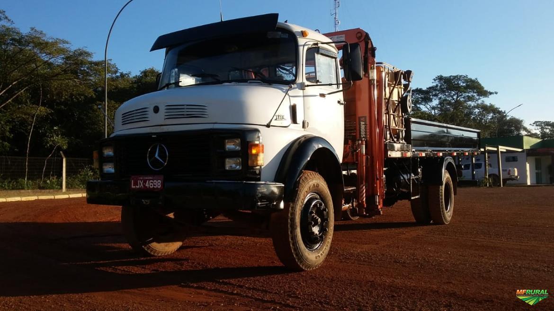 Caminhão Mercedes Benz (MB) 1114 ano 89