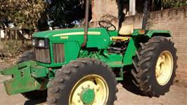 Trator John Deere 5403 4x4 ano 08