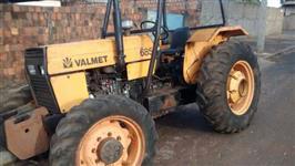 Trator Valtra/Valmet 685 4x4 ano 94