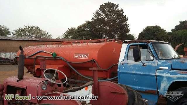 Caminhão Ford F8 ano 00