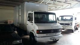 Caminhão Mercedes Benz (MB) 710 ano 04