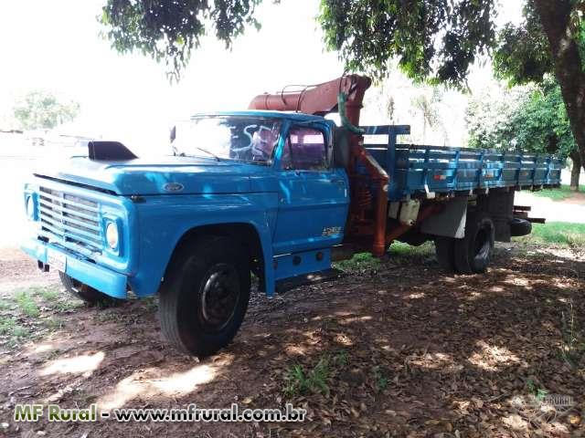 Caminhão Ford F Curto ano 76