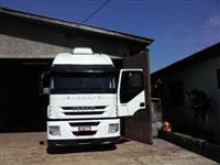 Caminhão  Iveco Stralis 420  ano 08
