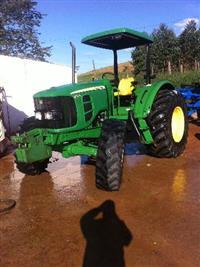 Trator John Deere 6110e 4x4 ano 11