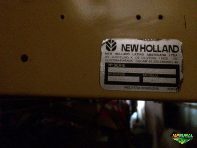 Colheitadeira  New Holland TC 59 ano 2002