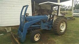 Trator Ford/New Holland 5610 4x2 ano 89
