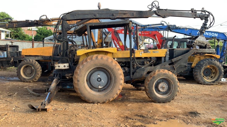 Trator Cbt 8440 4x4 ano 98