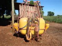 PULVERIZADOR K.O 800 LTS DE COMANDO 12 MTS BARRA