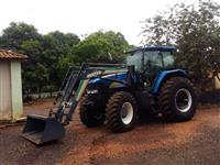 Trator Ford/New Holland 7040 4x4 ano 10