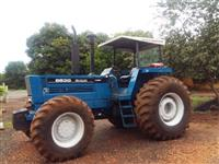 Trator Ford/New Holland 8830 4x4 ano 86
