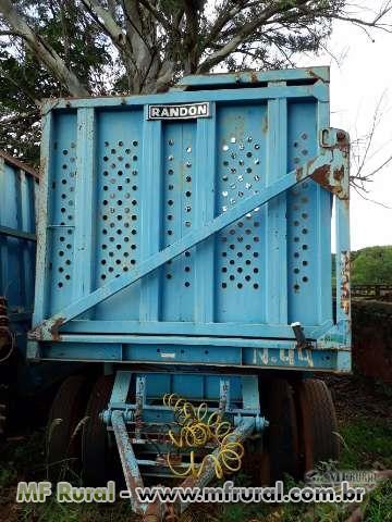 Carreta de cana picada marca Randon para 25 tonelada com pneus