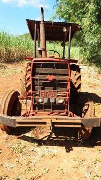Trator Outros Massey Ferguson 4x2 ano 85