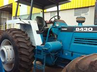 Trator Outros New Holland 4x4 ano 86